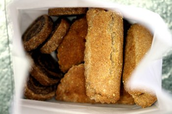 These yummy dog biscuit recipies make some delicious treats for your dog!